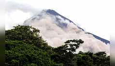 Lava flows at Guatemala volcano prompt...