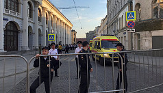 Moscow police say eight hurt after taxi...