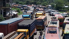 Heavy tailback on Meghna-Gumti...