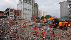 Death toll from India building collapse...