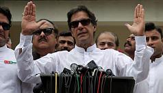 Pakistan's Imran Khan edges closer to...