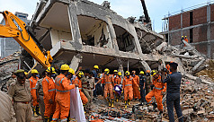 Indian building collapse kills 3, 12...