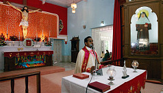 Four Indian priests accused of rape,...