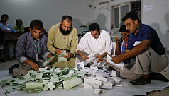 Pakistan election body rejects 'rigging'...