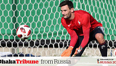 Lloris hails coach Deschamps before...