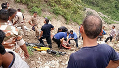 33 killed as Indian bus plunges off...
