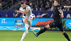 Zlatan's hat trick carries Galaxy past...