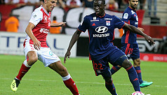 Reims shock Lyon to go top in...