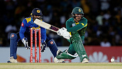 De Kock hits quickfire 87 to set up...
