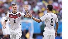 Kroos criticizes Ozil's Germany...