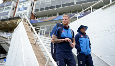 Bayliss tells England players to step...