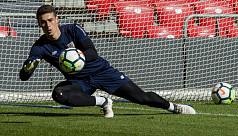 Chelsea sign goalkeeper Kepa Arrizabalaga...