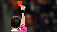 English referees will show cards to...
