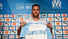 Roma midfielder Strootman joins...