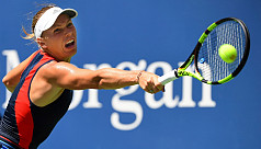 Wozniacki breezes past sloppy Stosur...