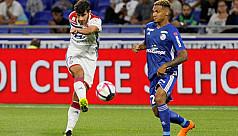 Lyon brush aside Strasbourg
