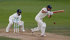 Cook holds firm to strengthen England's...