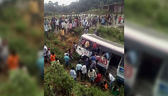 Indian bus plunges into valley, 43...