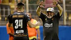 Maradona makes Mexico debut with 4-1...