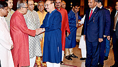President exchanges greetings with Hindu...