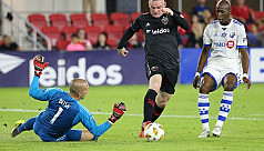 Rooney scores twice for United, Dallas...