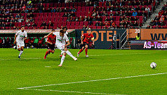 Alfred the great hits hat-trick on Augsburg...