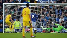 Everton make Palace pay for penalty...