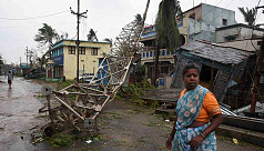 Cyclone kills five in eastern India, leaves thousands without power