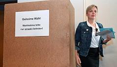 Merkel's Bavarian allies face threat...