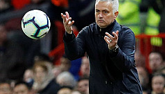Stay home if you're not confident, Mourinho tells Spurs players