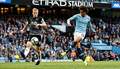 Man City turn on style as Salah fires...