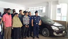 3 held over murdering woman on moving...