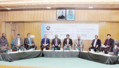 Banks urged to practice centralized, decentralized methods in decision making