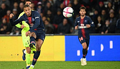 Mbappe, Neymar steer PSG to new win...