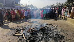 Police foil demo after RMG workers block...