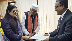 Kader Siddique and daughter submit nomination...
