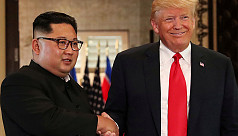 Trump heads for DMZ after inviting Kim...