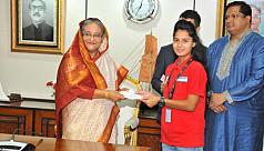 PM felicitates U-18 women...