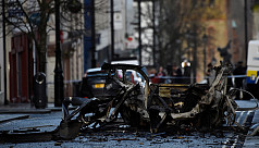 Car bomb linked to New IRA rattles Northern...
