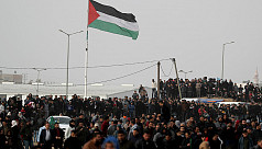 Hamas takes control of Gaza goods crossing...