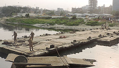 Army builds 7 temporary bridges on Turag...