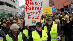 'Yellow vests' hit German streets in...