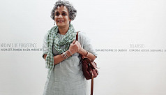Arundhati Roy issues clarification