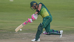Du Plessis ton helps South Africa to...