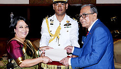 Envoys of 5 countries present credentials...