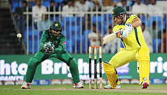 Finch, Shaun sink Pakistan