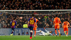 Relentless Messi leads demolition of...