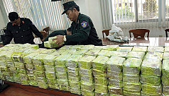 Vietnam arrests Chinese man with 300...