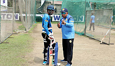 Abahani lock horns with Doleshwar