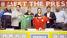 Colombian stars reach Dhaka to inspire girls